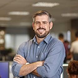 Rafael Panonko analista financeiro
